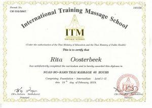 Diplôme de massage thaïlandais de Rita Oosterbeek nécessaire à l'exercice de son activité de naturopathie, ayurvéda et soins naturels.