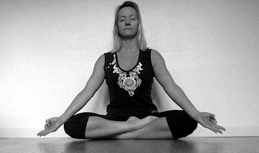 Yoga pour équilibrer vata dosha